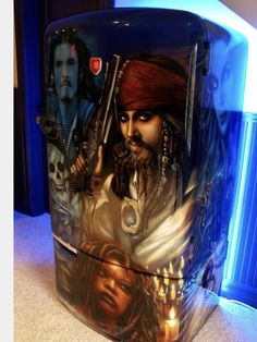 Airbrushed Pirates of the Caribbean Fridge - Painted by Mike Lavallee of Killer… Car Paint Jobs, Custom Paint Jobs, Custom Cars, Airbrush Art, Air Brush Painting, Car Painting, Paint Refrigerator, Pin Art, Pinstriping