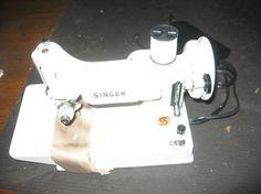 Singer White Featherweight 221K Portable Sewing Machine 13608