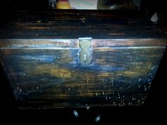 An Old Vintage Wooden Box - Keep your Treasures in! A duo of Mid Night Sky and Stain from Dixie Bell! Love this! Live, Simply!