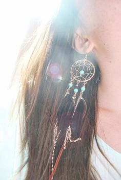 i do have an obsession with dream catchers.but the earrings would complete my life. Diy Jewelry, Jewelry Box, Jewelery, Jewelry Accessories, Jewelry Making, Handmade Jewelry, Dream Catcher Jewelry, Dream Catchers, Look Fashion