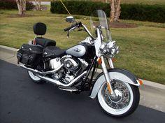 this is exactley what my daft has! Harley Davidson Heritage, Harley Davidson Jewelry, Cool Motorcycles, Harley Davidson Motorcycles, Hummer, Sportster 48, Daytona Beach Florida, Motorcycle Wallpaper, Dirtbikes