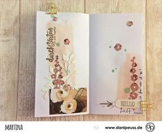 Mixed Media und Layouts im danidori Memory Notebook von Martina für www.danipeuss.de Scrapbooking Stamping Mixed Media Travellers Journal Art Journal Page Midori Color Crush Planner