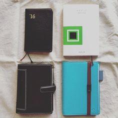 2016年の手帳は今のところこんな感じ持ち歩くのはファイロファックスのシステム手帳だけであとは家でお留守番ファイロファックスに予定や買い物リストなど外出先で必要になりそうなことをまとめて能率ゴールドは日記や覚書や体調などあとで見返したいことを記録してますマイブックは切り抜きを貼ったり愚痴を書いたりw何でもありのノートですクオバディスはバーチカルを使えるようになりたくて良い使い方がないか試しに色々書いてますあとほぼ日weeksが使いたいけどもう書くことないから今のとこ我慢してます #能率手帳ゴールド #能率手帳 #クオバディス #quovadis #ファイロファックス #filofax #マイブック #手帳 #システム手帳 by mamaori