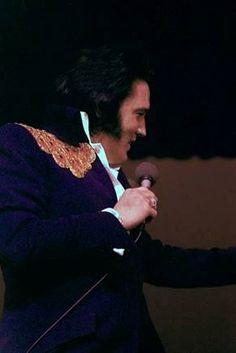 Midnight Vegas Hilton show by Sandi Pichon March 30, 1975