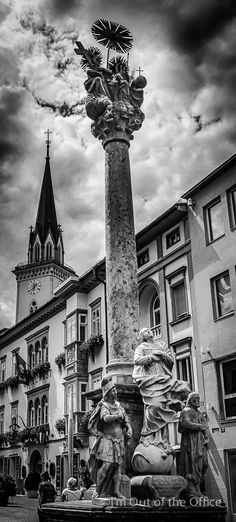 #Villach is the second largest #city in the Austrian state of #Carinthia The city is characterised by its vitality and #southern flair, particularly in its main #square and the side #streets leading off from it. Villach's main square is also know as #Hauptplatz #Europe #Austria #blackwhite #statue #photography #travel #traveling #world