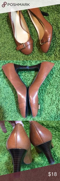 Lauren Ralph Lauren brown pumps Perfect for work! Minor scuffs but nothing major- lots of life to give. Snag a deal! No box. Heel is 2.5 inches. Bundling is fun; check out my other items! Home is smoke free/ cat friendly. No price talk in comments. No trades or holds. Lauren Ralph Lauren Shoes Heels