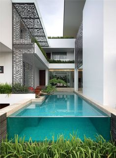 The International Design and Architecture Awards 2014 Architecture Awards, Modern Architecture, Box Design, House Design, Glass Pool, Infinity Edge Pool, Box Houses, Florida Home, Beautiful Homes