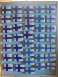 "Fused glass ""Finnish flag"" magnet"