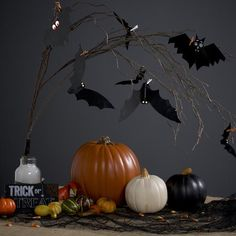 Duck Tape® Bat Decorations