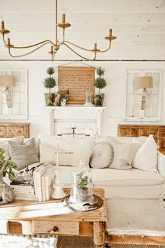 Living Room Decor, Bedroom Decor, French Country Decorating, Cottage Decorating, Decorating Ideas, Cottage Style, White Cottage, Cozy Cottage, Farmhouse Decor