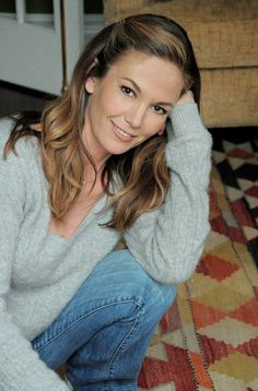 Diane Lane - a natural beauty with simple makeup.