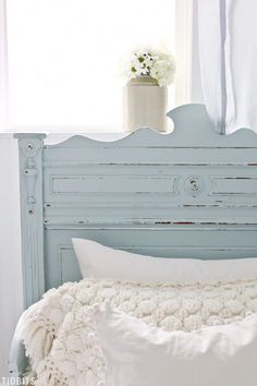 I've always known paint can transform a furniture piece, but to end up this good - even I was shocked! Let me show you my process and results from working with Fusion Mineral Paint for the first time on our DIY Painted Antique German Sleigh Bed. Painted Bedroom Furniture, Farmhouse Furniture, Repurposed Furniture, Rustic Furniture, Cool Furniture, Bedroom Decor, Bedroom Sofa, Furniture Direct, Furniture Online
