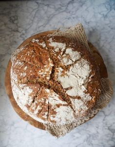 Eltefritt halvgrovt brød med linfrø Camembert Cheese, Dairy, Baking, Recipes, Bakken, Ripped Recipes, Backen, Sweets