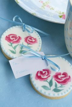 Rachelles Beautiful Bespoke Cakes - and coordinating cookies