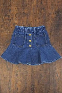 Give your girl's warm-weather wardrobe a quick update with this sassy and stylish Button-Front Denim Skirt. Little Girl Skirts, Skirts For Kids, Little Girl Dresses, Girls Dresses, Crochet Baby Dress Free Pattern, Baby Girl Dress Patterns, Baby Clothes Patterns, Denim Skirt Outfits, Denim Skirts