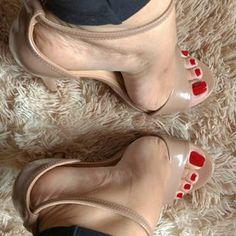 @kate_feet #feetporn #feetfetish #shoesporn #highheels #feetjob #sexyfeet #feetporn #sexywoma #shoes #solesfetish #highheelshoes #shoesjob #passionfeet #shoeslove18
