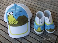 Painted Hats, Painted Clothes, Teen Girl Outfits, Kids Outfits, Champs Shoes, Easy Crochet Hat, Fabric Paint Designs, Cute Caps, Painted Sneakers