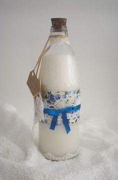 Sabonete líquido caseiro embalado num vidro com toque artesanais
