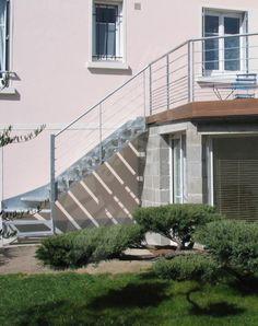 photo dt108 esca 39 droit escalier droit ext rieur design en m tal et bois d 39 acc s une. Black Bedroom Furniture Sets. Home Design Ideas