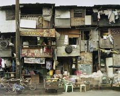 Peter Bialobrzeski from //The Raw and the Cooked, Manila, Philippines, 2008, courtesy L.A. Galerie—Lothar Albrecht, Frankfurt, Germany
