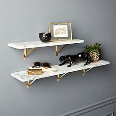 muebles de diseño moderno para un interior contemporáneo White Wall Shelves, Gold Shelves, Wall Mounted Shelves, Floating Shelves, Large Shelves, Marble Shelf, Marble Wall, Frame Shelf, Home Decor Mirrors