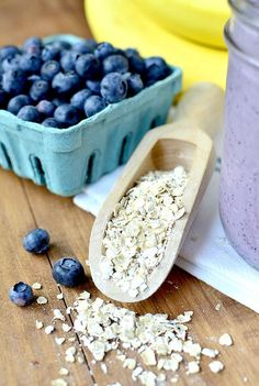 Blueberry Muffin Smoothie #glutenfree | iowagirleats.com