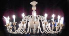 #lampadario #vetro #murano. Lampadario in vetro bianco. Sistema con 24 luci. H.  cm – ø.  cm. Disponibili su richiesta varianti di dimensioni e colori. > www.danielebiasin.it/portfolio-items/lampadario-in-vetro-bianco/?portfolioID=10997