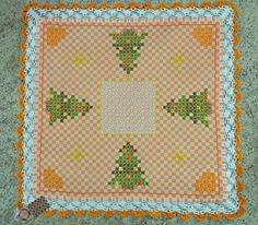 Bordado em tecido xadrez - Toalhinha de Natal