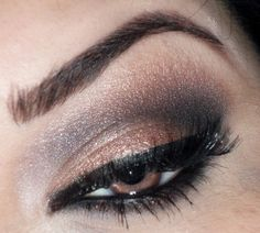 If only I was good at putting on eyeshadow.. I love this!