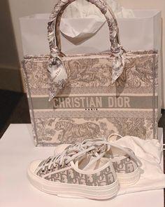 Hermes Handbags, Replica Handbags, Designer Handbags, Louis Vuitton Belt, Louis Vuitton Handbags, Fake Designer Bags, Designer Belts, Cristian Dior, Chanel Purse