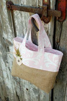 Grande Small Burlap Flower Girl or Junior Dama by SarahNanDesigns Alpillera Ideas, Burlap Tote, Diy Handbag, Monogram Tote, Sack Bag, Burlap Flowers, Jute Bags, Craft Bags, Beautiful Bags