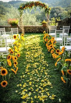 Authentic Tuscan style wedding with lots of sunflowers and yellow rose petals Infinity Weddings Events Wedding Ceremony Ideas, Wedding Scene, Wedding Events, Wedding Church, Party Wedding, Wedding Bride, Sun Flower Wedding, Picnic Table Wedding, Wedding Reception