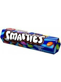 Draże SMARTIES firmy Nestle z pewnością dostarczą wiele przyjemności oraz będą stanowiły wielokolorową zabawę dla najmłodszych. Każda słodka skorupka zamyka w sobie delikatne czekoladowe nadzienie. Draże są barwione wyłącznie naturalnymi barwnikami. Spróbuj słodyczy popularnych w wielu krajach na całym świecie.
