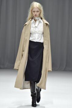 DressedUndressed Tokyo Fall 2016 Collection Photos - Vogue