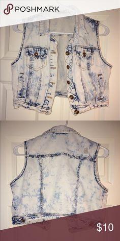 Jean Jacket Jean jacket, worn but still in good condition Von Maur Jackets & Coats Jean Jackets