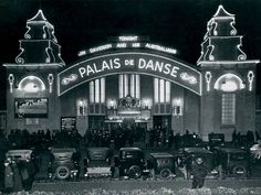 Palais de Danse on St Kilda,foreshore in the Destroyed by fire, 1969 - interior by Walter Burley and Marion Mahoney Griffin. Today a carpark. Jim Davidson, 1920s Aesthetic, Places In Melbourne, Melbourne Victoria, St Kilda, Historic Homes, Empire State Building, Old Photos, Fire