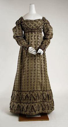 Dress  1819-1822  The Metropolitan Museum of Art [I love the lines and how they interact along the bust]