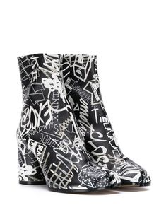 Shop black Maison Margiela graphic print 80mm Tabi ankle boots with Express Delivery - Farfetch Graffiti Prints, Ankle Length, Graphic Prints, Baby Design, Ankle Boots, Women Wear, Heels, How To Wear, Fashion Design