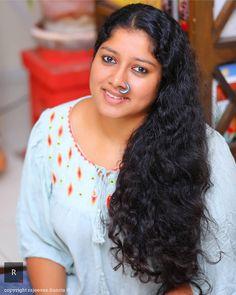 Beautiful Women Over 40, Beautiful Girl Indian, Beautiful Long Hair, Indian Natural Beauty, Indian Beauty Saree, Beauty Full Girl, Beauty Women, Girl Number For Friendship, Indian Girl Bikini