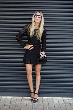 Black Dress Tricot --- Nati Vozza