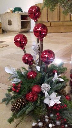 Star Christmas Lights, Christmas Candle Decorations, Christmas Flower Arrangements, Christmas Lanterns, Christmas Flowers, Christmas Crafts For Gifts, Felt Christmas Ornaments, Christmas Bows, Candle Wedding Centerpieces