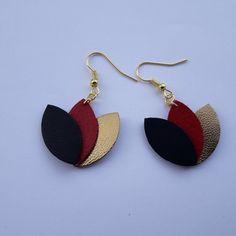 Pièce unique  fleurs de lotus en cuir  noir, rouge et doré