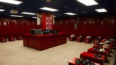 15 Of The Most Impressive Dressing Rooms In Football - talkingbaws Messi Photos, Changing Room, Ac Milan, Team Building, Dressing Room, Real Madrid, Liverpool, Liquor Cabinet, Lockers