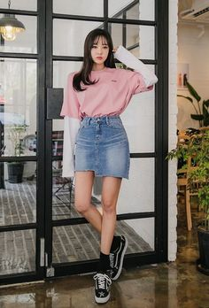 New Skirt Korean Style Cute Asian Fashion Ideas - korean fashion Korean Fashion Teen, Cute Asian Fashion, Korean Street Fashion, Ulzzang Fashion, Korea Fashion, Look Fashion, Skirt Fashion, Trendy Fashion, Fashion Outfits
