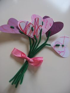 """Year after year when you ask young kids what they want to make their moms for Mother's Day they might say their favorite thing ( firetruck, superhero, princess…) but after some prodding you will probably hear """"Flowers!"""" . So here are some of our favorite flower projects but if you want firetrucks, superheroes or princess …"""