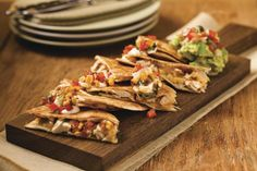 Chicken Quesadillas With Guacamole Queso Cheese Means In Spanish. Quesadillas Are Tortillas Filled With Cheese, Hence The Name, Quesadillas. In Mexico Bake Quesadillas In A Comal-A Sort Of Flat Grill For Home Use Is Similar To Our Frying Pan. Yummy Chicken Recipes, Yum Yum Chicken, Healthy Recipes, Healthy Foods, Tacos And Salsa, Chips And Salsa, Mexican Dessert Recipes, Sour Cream Chicken, Queso Cheese