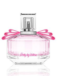 With luminary notes, this intimate and airy fragrance now comes in a gorgeous bow-adorned bottle.
