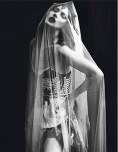 """Le Noir Part Three"", Kate Moss photographed by Mert Alas & Marcus Piggott in Vogue Paris September 2012"