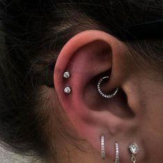 Piercing Eyebrow, Spiderbite Piercings, Rook Piercing Jewelry, Faux Piercing, Pretty Ear Piercings, Double Cartilage Piercing, Multiple Ear Piercings, Ear Jewelry, Fine Jewelry