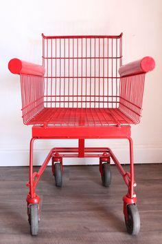 La magie du design: transformer un simple chariot de courses en une création originale // #chair #design